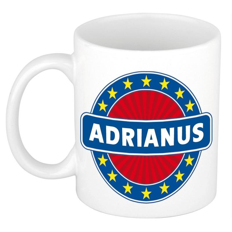Kado mok voor Adrianus